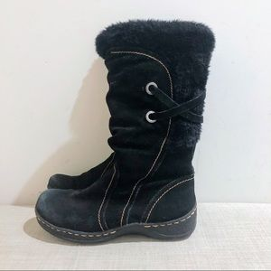 Black suede and faux fur snow boots